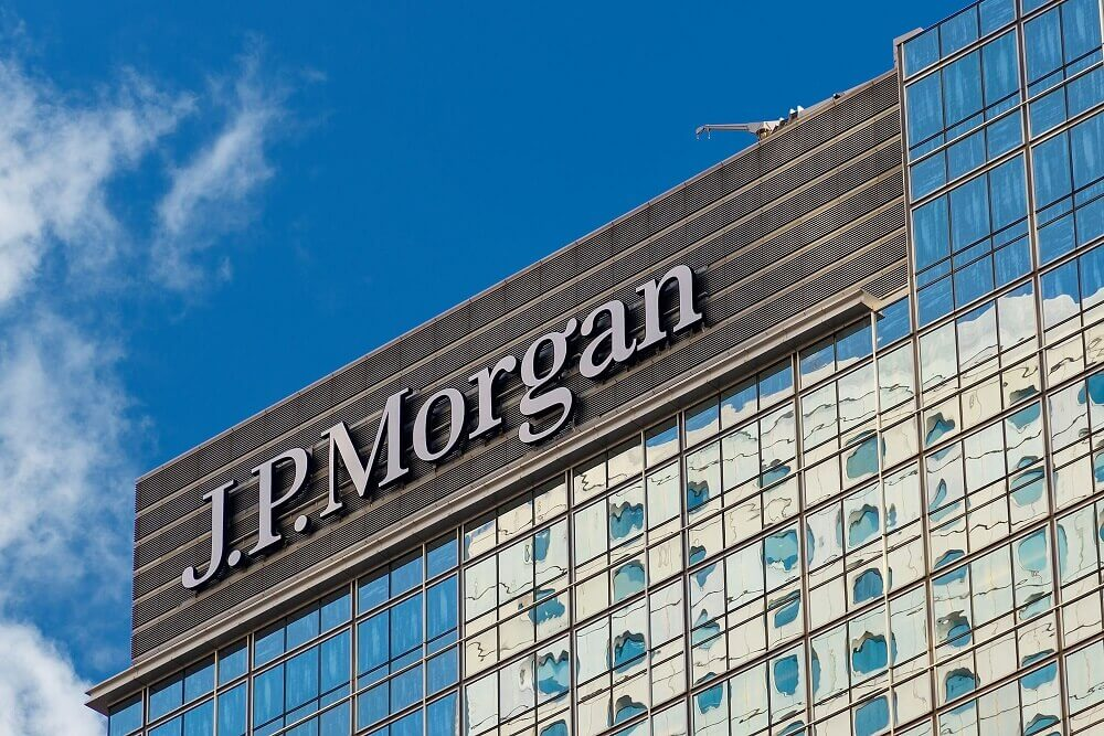 JPMorgan has an overweight rating to apple company.